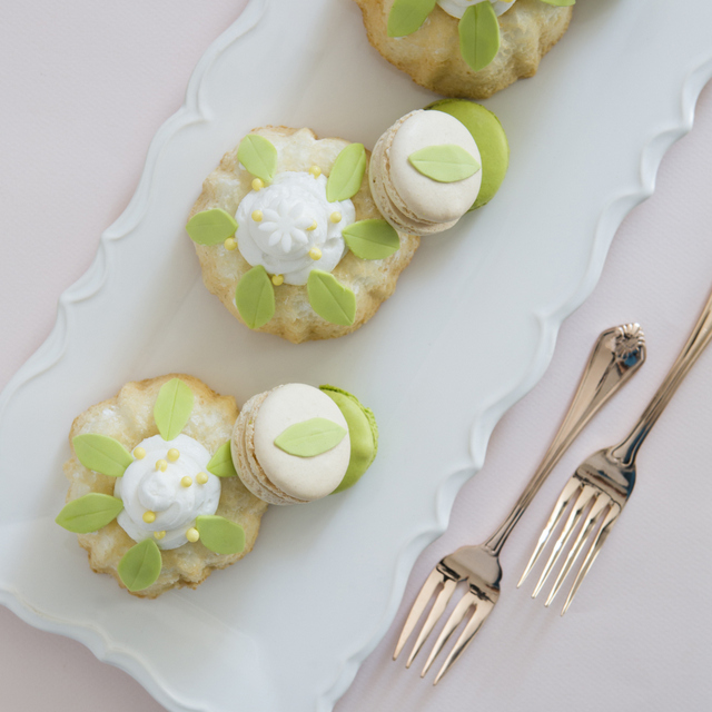 Oscar De La Renta Angel food Cakes / Caketress