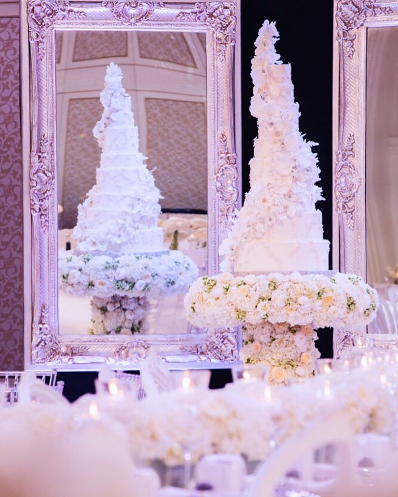 Dubai-Wedding-versace-caketress