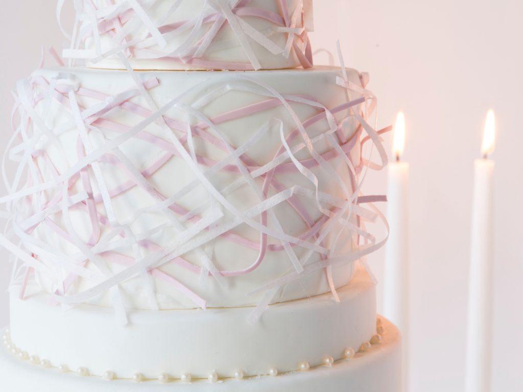 caketress-herrera-inspired-weddingcake