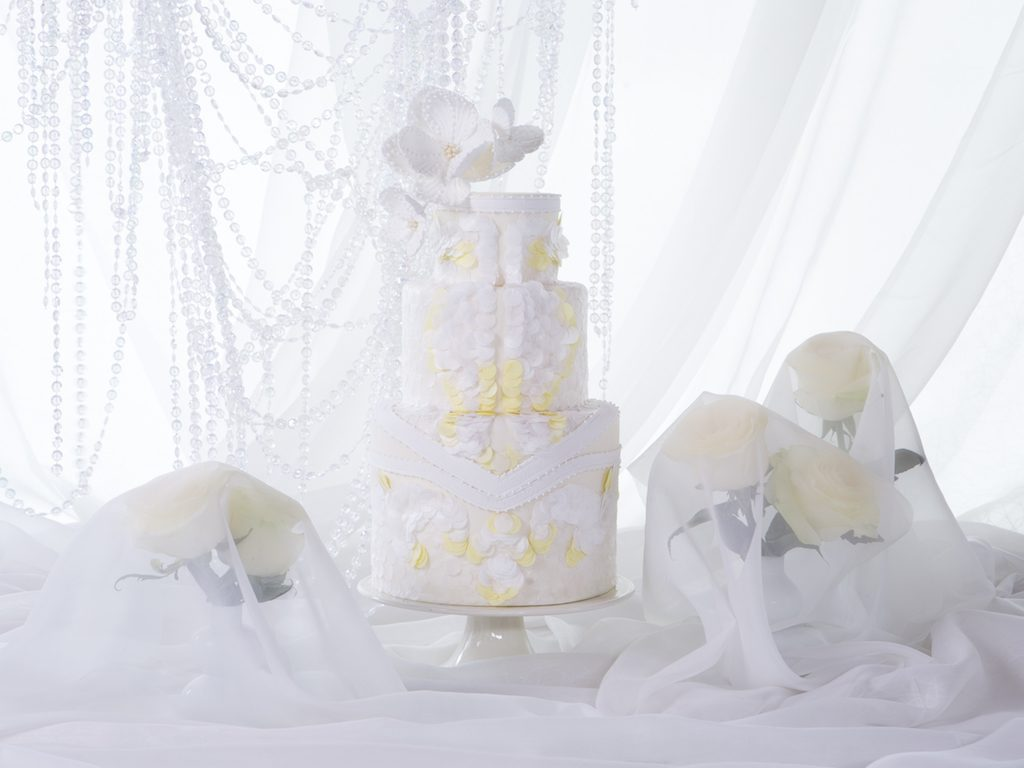 givenchy-inspired-wedding-cake-UAE
